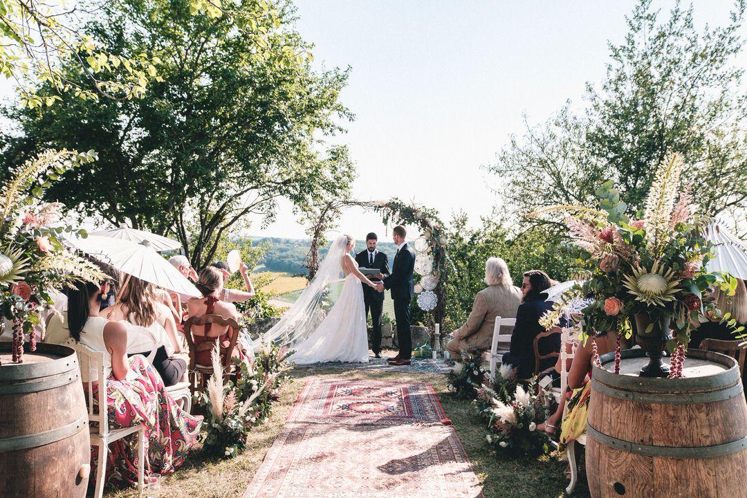 boho-wedding-ceremony-castelnau-des-fieumarcon