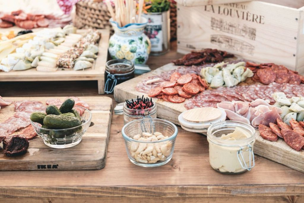 french-wedding-venue-grazing-boards