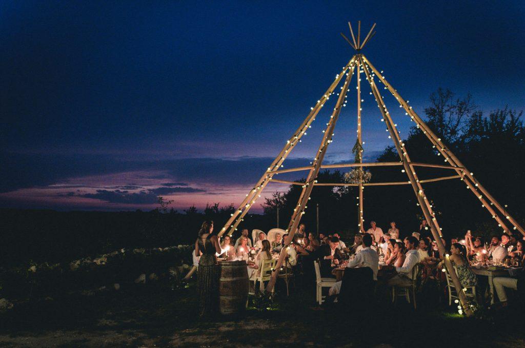 Castelnau-wedding-naked-tipi