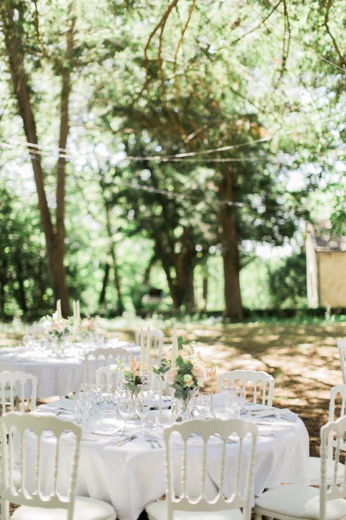 outdoor-wedding-dinner-french-chateau