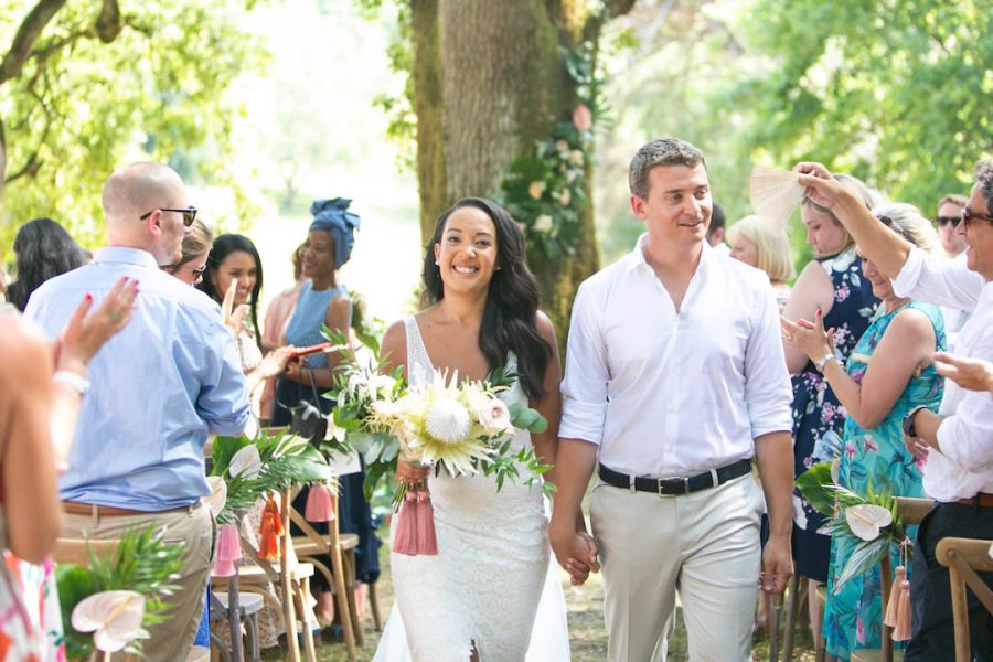colorful-wedding-ceremony-dordogne-france