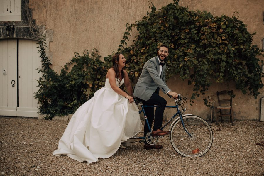 bride-and-groom-bicycle-france-wedding