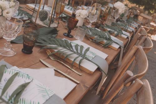rustic-wooden-table-rental-dordogne